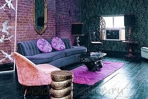 Маджента и восточные оттенки в дизайне гостиной
