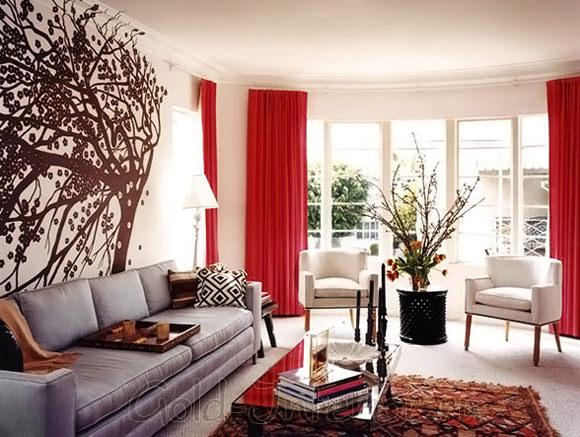 Маковый и серый цвет в дизайне гостиной
