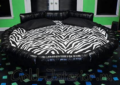 Матрас круглой кровати с зебровым принтом