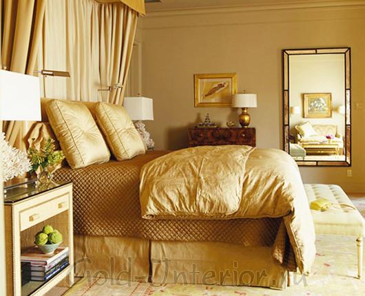 Медные и золотистые оттенки бежевого цвета в спальне