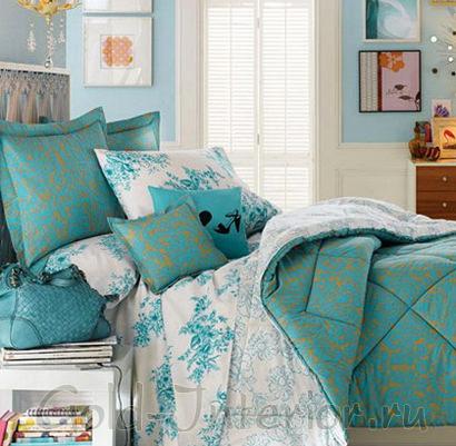 Морская волна+белый+тёплые краски в интерьере спальни