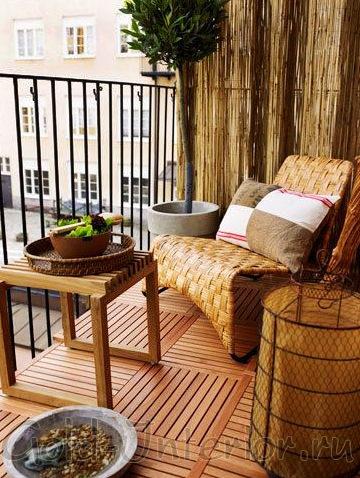 На фото дизайн интерьера балкона