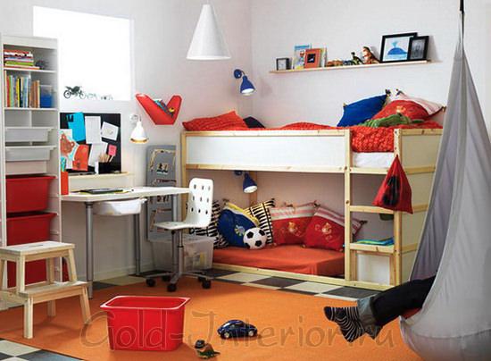 На фотографии - интерьер комнаты для мальчика