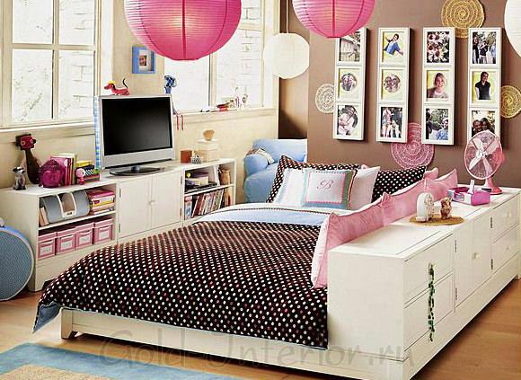 На фотографии креативная комната для девушки