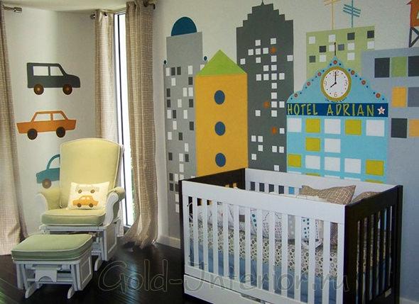 Настенная роспись в комнате новорождённого