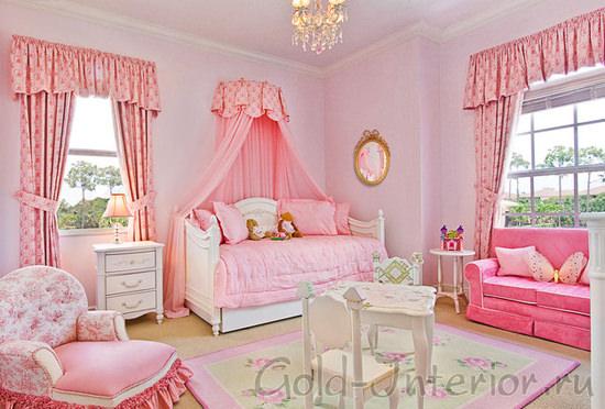 Приятная цветовая палитра в интерьере детской для девочки