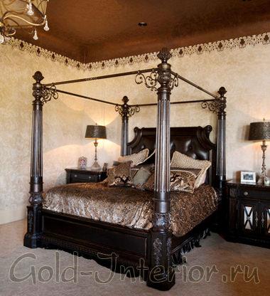 Необычная резная кровать для спальни из богатого тёмного дерева