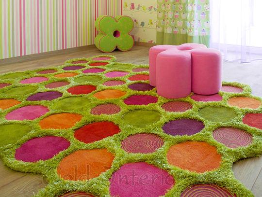 Необычный ковёр в детской для девочки