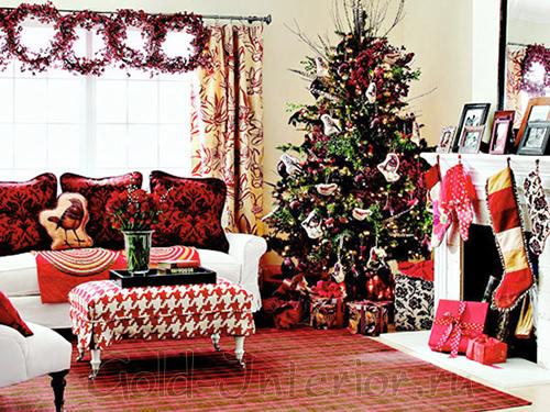 Новогодняя гостиная в красном цвете
