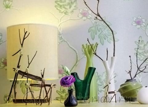 Одиночные ветки в необычных вазах