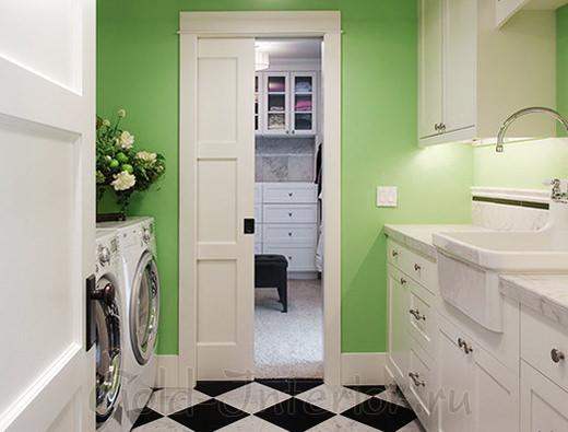 Одностворчатая раздвижная дверь белого цвета