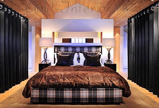 Оригинальная лампа в спальне-шале