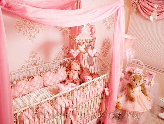 Пастельные оттенки розового в детской