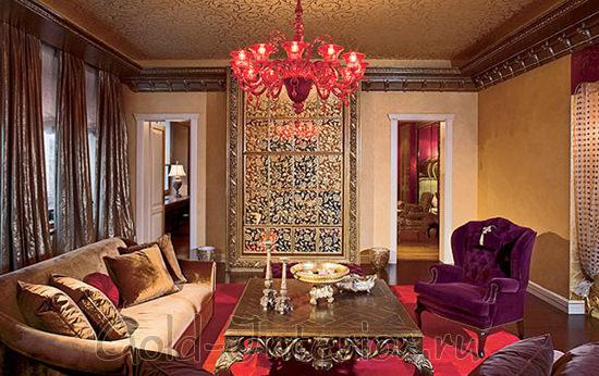 Пёстрый и пышный арабский стиль в гостиной