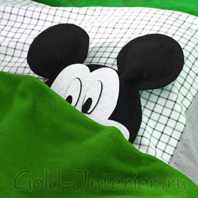 Подушка Микки-Маус