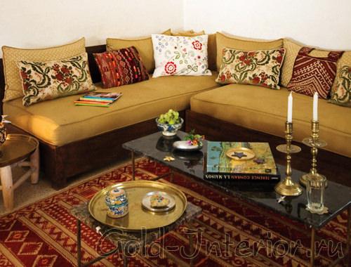 Подушки в средиземноморском стиле
