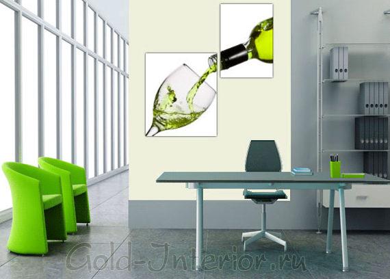 Постер в интерьере: бутылка вина и бокал