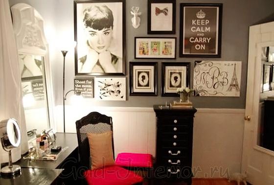 Постеры в интерьере спальни