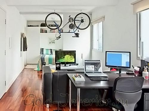 Потолок - место для хранения велосипеда
