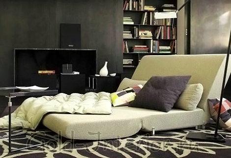 Раскладной диван для маленькой спальни в хрущёвке