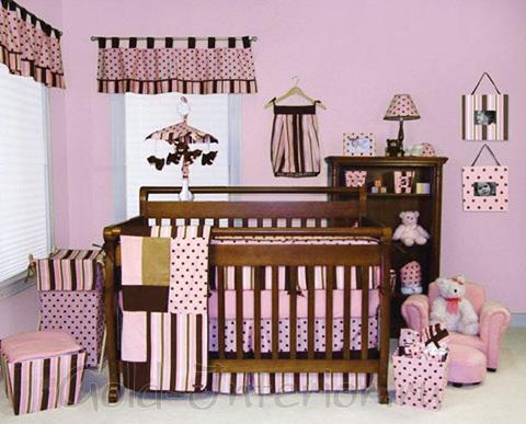 Розовый + шоколадный цвет в комнате для новорождённой девочки
