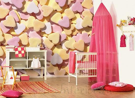 Розовый балдахин над детской кроваткой