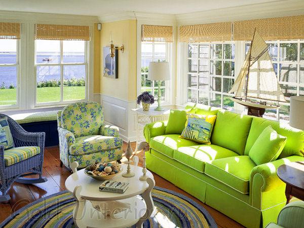 Салатовый диван в интерьере
