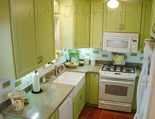 Салатовый кухонный гарнитур на кухне 6 кв м