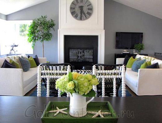 Серый, белый и оливковый цвета в гостиной