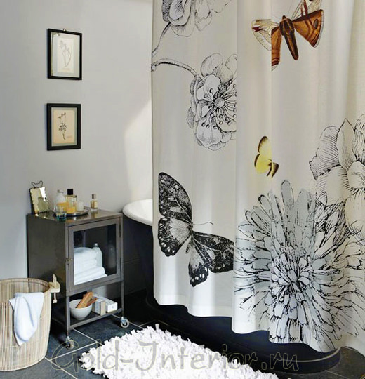 Шторка в ванной с бабочками