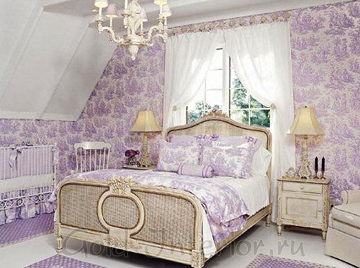 Сиреневый + бежевый в интерьере спальни