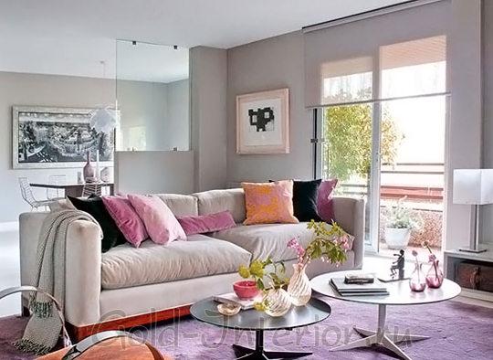 Сиреневый + розовый в дизайне гостиной