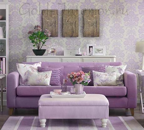 Сиреневый диван + предметы интерьера лавандового оттенка