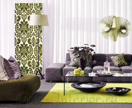 Сиреневый диван с сероватым подтоном