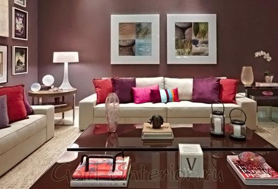 Сочетание бордового цвета с коричневыми и ягодными оттенками