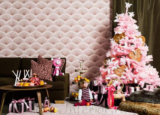 Сочетание шоколадного цвета в интерьере с розовой ёлкой