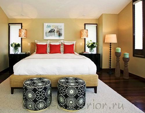 Современность, азиатская гармония и марокканские принты в спальне фьюжн