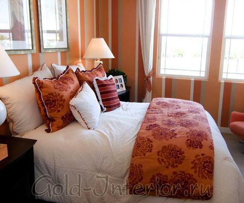 Спальня в тёплых тонах