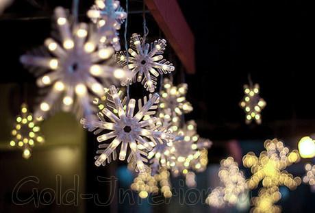Светодиодная бахрома из снежинок