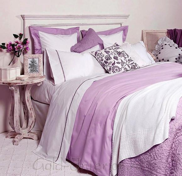 Текстиль в классическом интерьере спальни