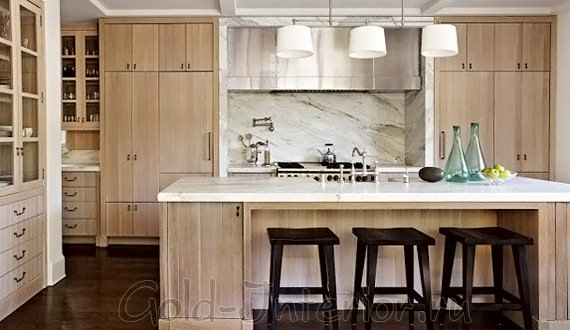 Тёмный оттенок белёного дуба в оформлении кухонного гарнитура
