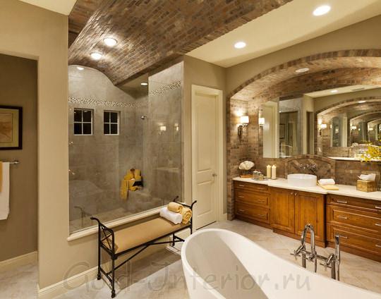 Точечные светильники на потолке в интерьере ванной