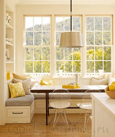 Угловой эркерный диван для кухни