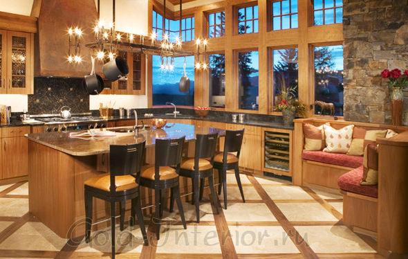 Угловой кухонный диван в интерьере дома