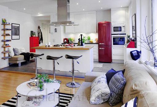 Узкий прямой кухонный диван без спинки и подлокотников
