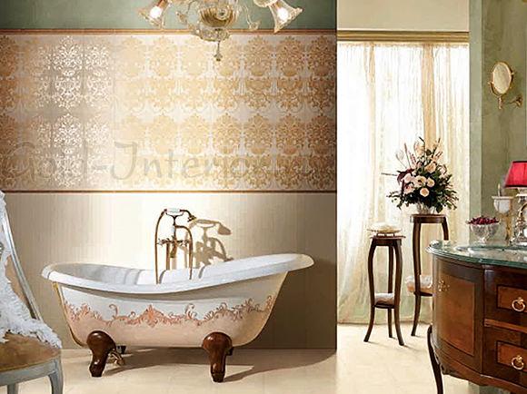 Ванна и полоса обоев в ванной выполнены в одном ключе