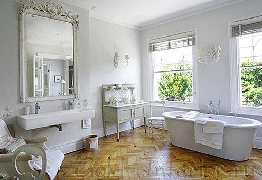 Ванна у окна в интерьере рококо