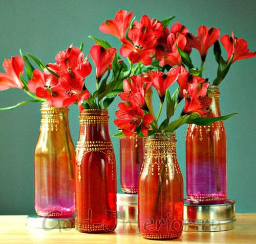 Красочные вазы в индийском стиле