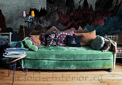 Велюровый изумрудный диван