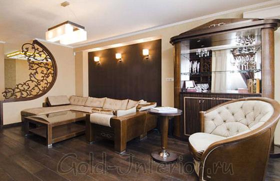 Викторианские и минималистичные детали в гостиной стиля фьюжн